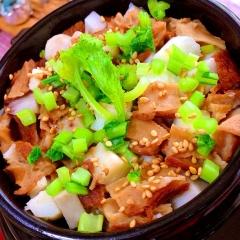 里芋と大和芋のお麩入りあっさり満腹炊き込みご飯