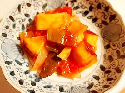 ルクルーゼで♪ 薩摩芋と野菜のトマト煮