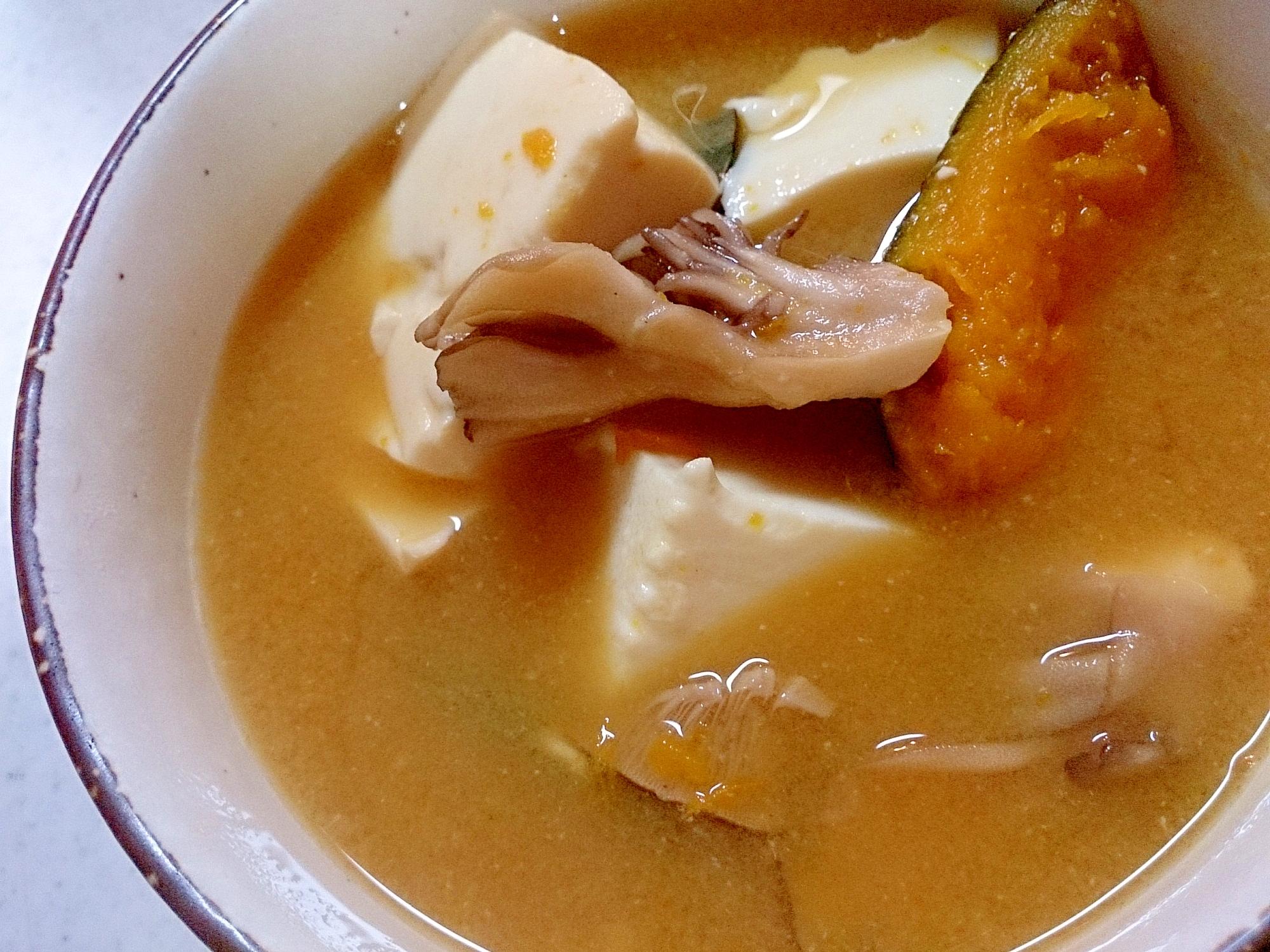 かぼちゃと舞茸と絹ごし豆腐の味噌汁(圧力鍋)