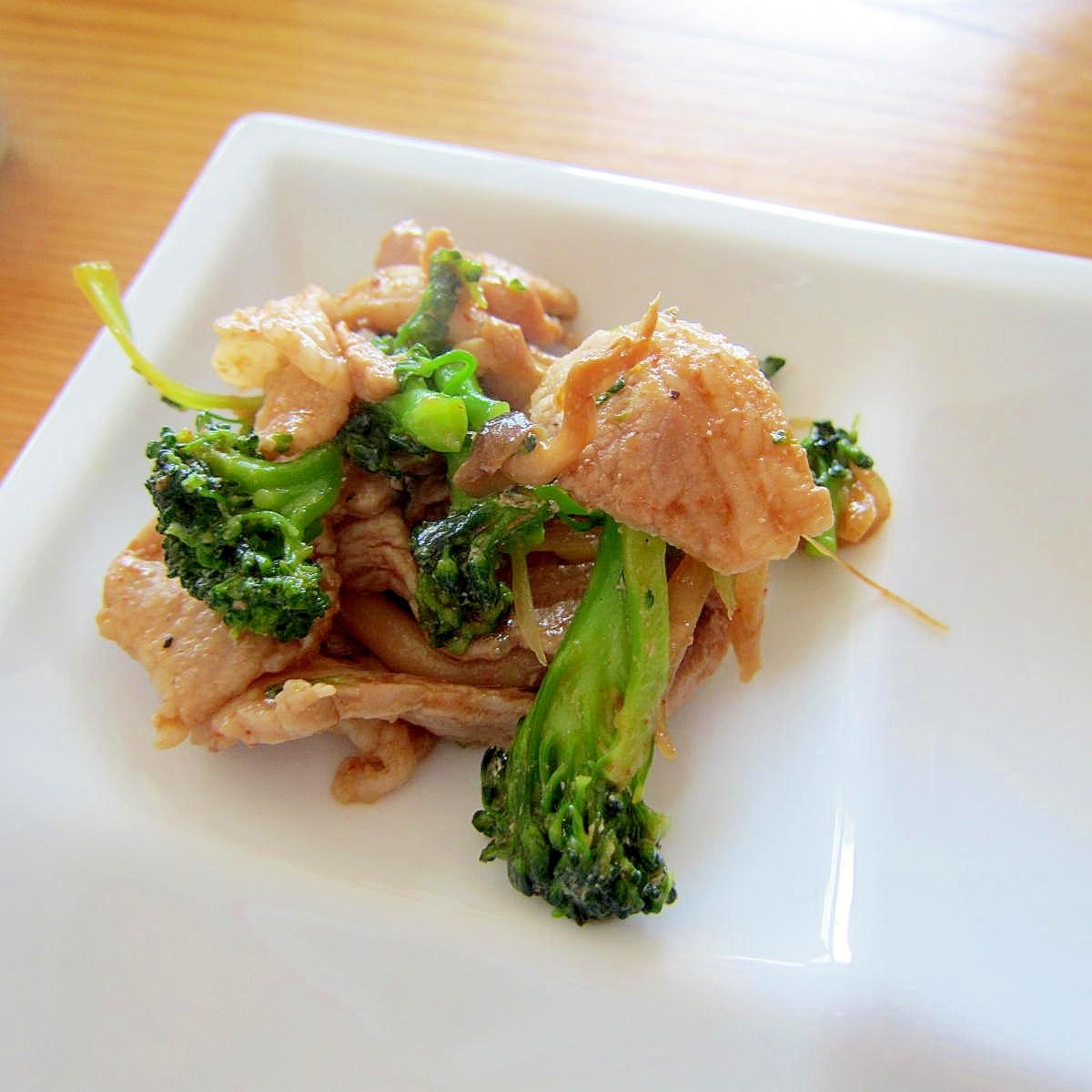 ブロッコリーと新玉葱牡蠣油コチュジャン肉焼き