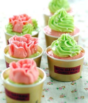 バタークリームデコレーションカップケーキ レシピ・作り方 by minori,rio 楽天レシピ