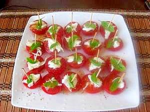 プチトマトとモッツァレラチーズのバジルサラダ レシピ・作り方 by けいちゃん43|楽天レシピ