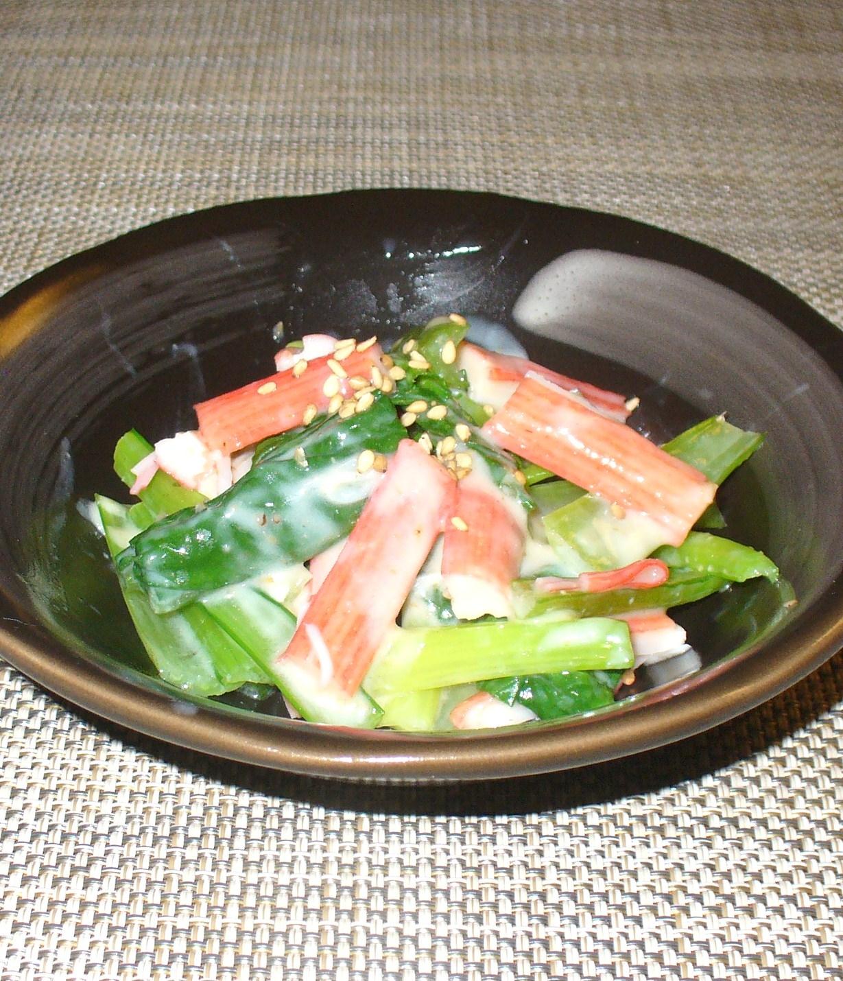 小松菜とカニかまぼこの胡麻ヨーグルトサラダ
