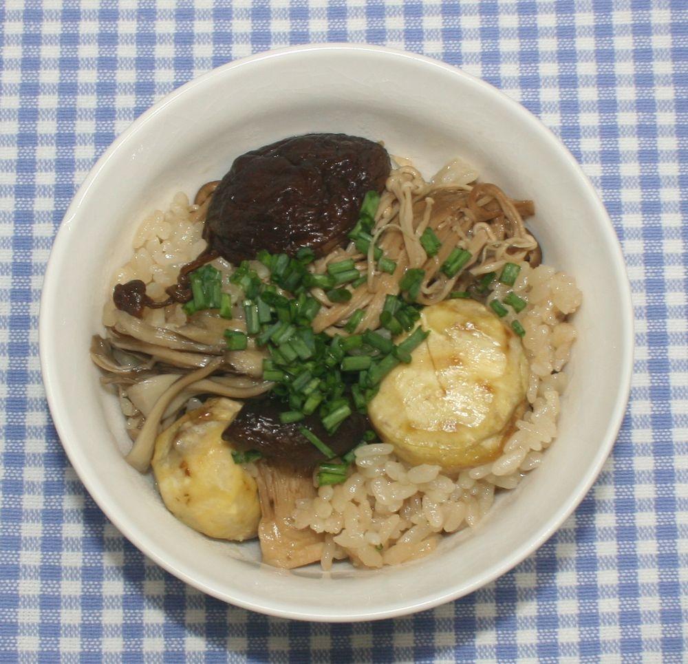 簡単☆秋の味覚☆乾燥栗と干しキノコの炊き込みご飯