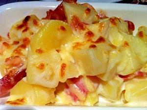 じゃがいもとベーコンのチーズオーブン焼き