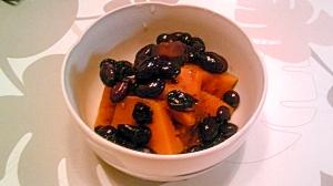 黒豆で、かぼちゃのいとこ煮風