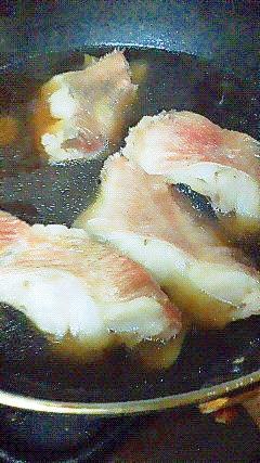 フライパンで時短♪ 金目鯛の煮付け