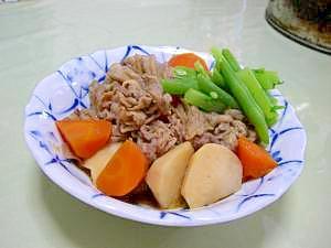 里芋・舞茸・人参・と牛肉の炒め煮