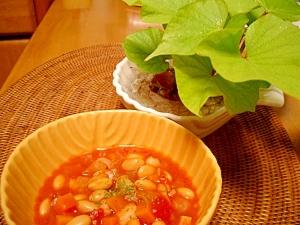 大豆とベーコンのトマト煮込み