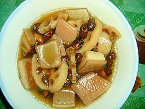豚バラ肉、黒豆、蓮根の煮もの
