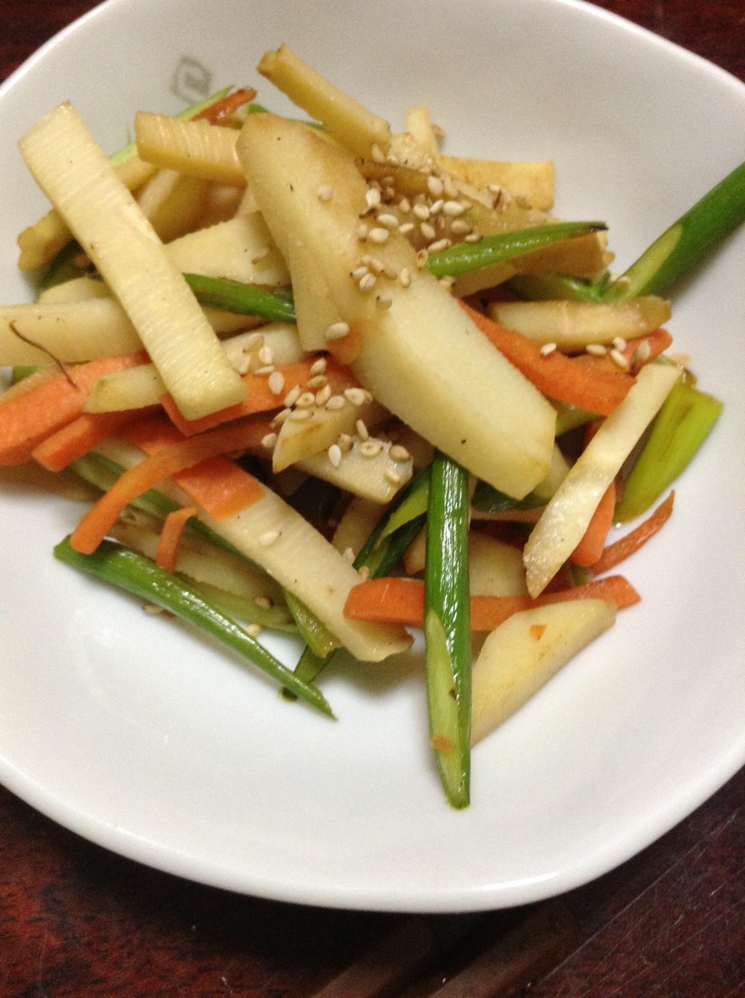 筍とにんにくの芽と人参の醤油炒め