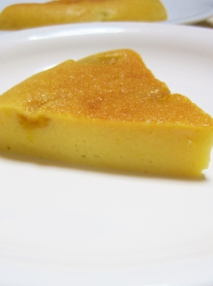 炊飯器で簡単♪マンゴー・ヨーグルト・ケーキ
