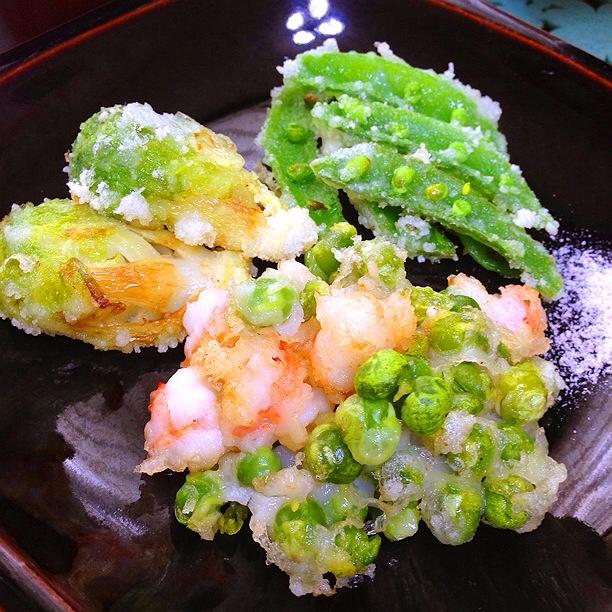 白玉粉でザクモチッうすいえんどう豆と海老のかき揚げ