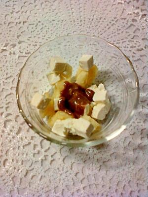 チョコソースで食べるゴーダチーズとクリームチーズ☆