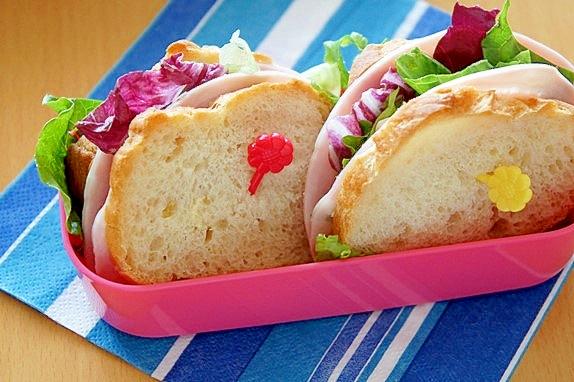 フランスパンで☆基本のバケットサンドウィッチ