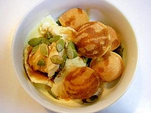 アイスと鈴カステラとかぼちゃの種の和風デザート