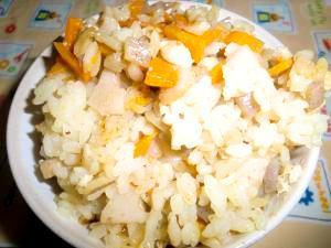 冷え性改善の治療食 根菜たっぷり鶏の炊き込みご飯