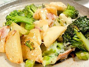ブロッコリーポテトのベーコンチーズ焼き レシピ・作り方 by leopoo|楽天レシピ