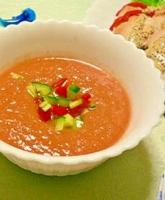 爽やかなトマトスープ!混ぜるだけのガスパチョ