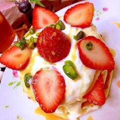 苺と柚子のヨーグルトクリームチーズパンケーキ