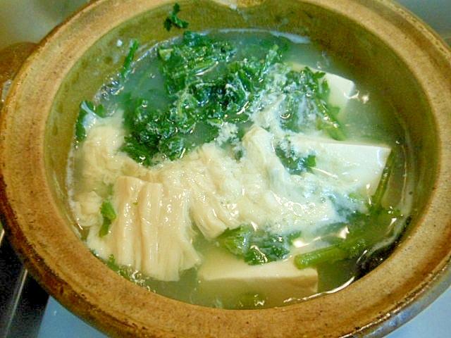 春菊、湯葉入り湯豆腐(ねぎポン酢たれ)