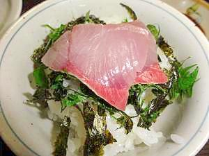ハマチのお刺身で刺身丼(かたまり買いがお得)