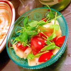 グラニースミスとトマトのアンチョビサラダ