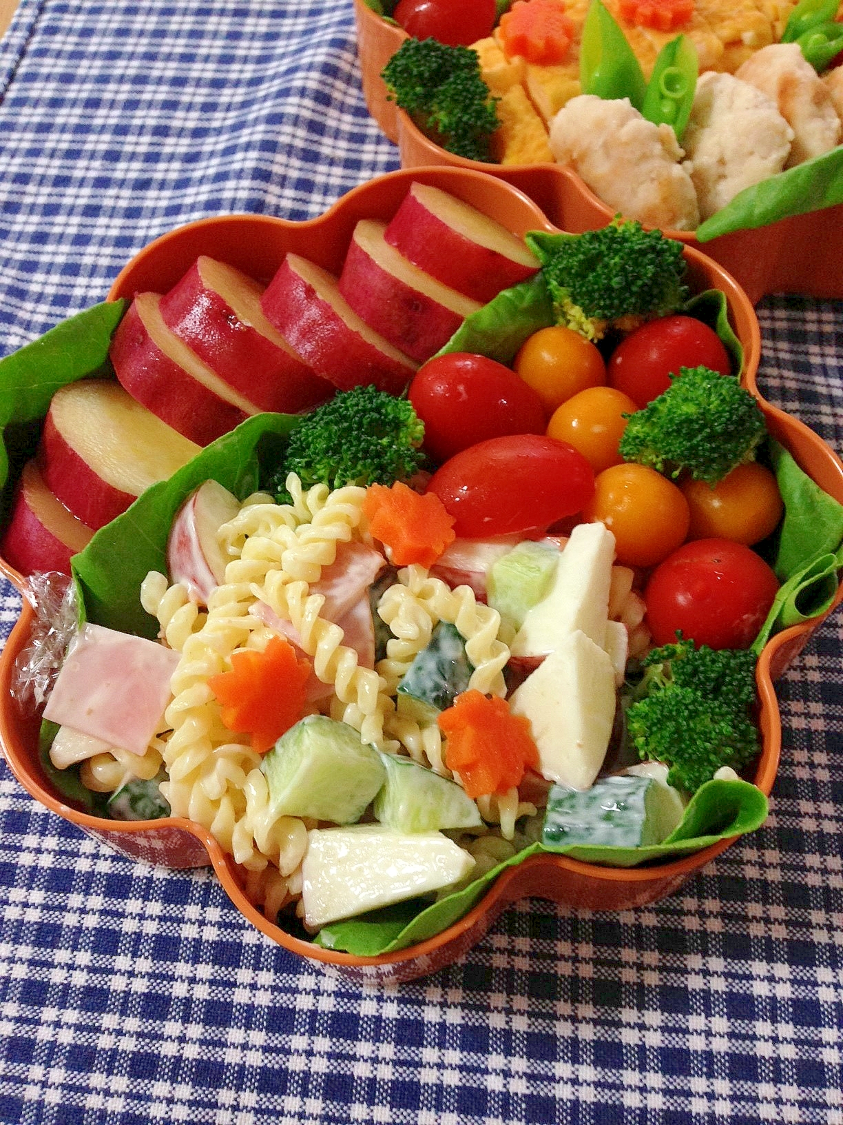 運動会のお弁当に☆簡単りんご入りマカロニサラダ♪