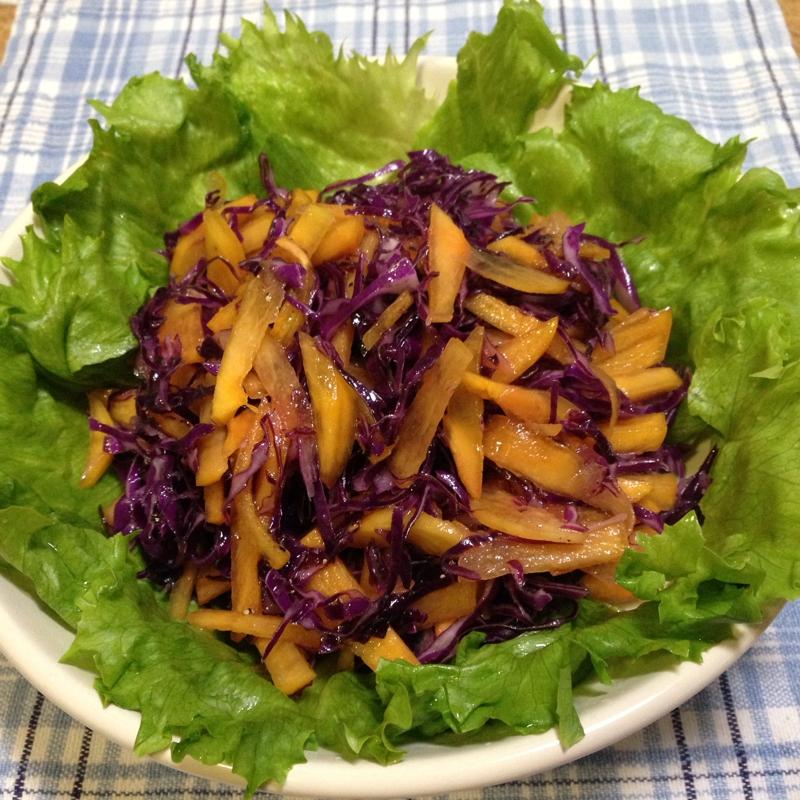 柿と紫キャベツのサラダ♪