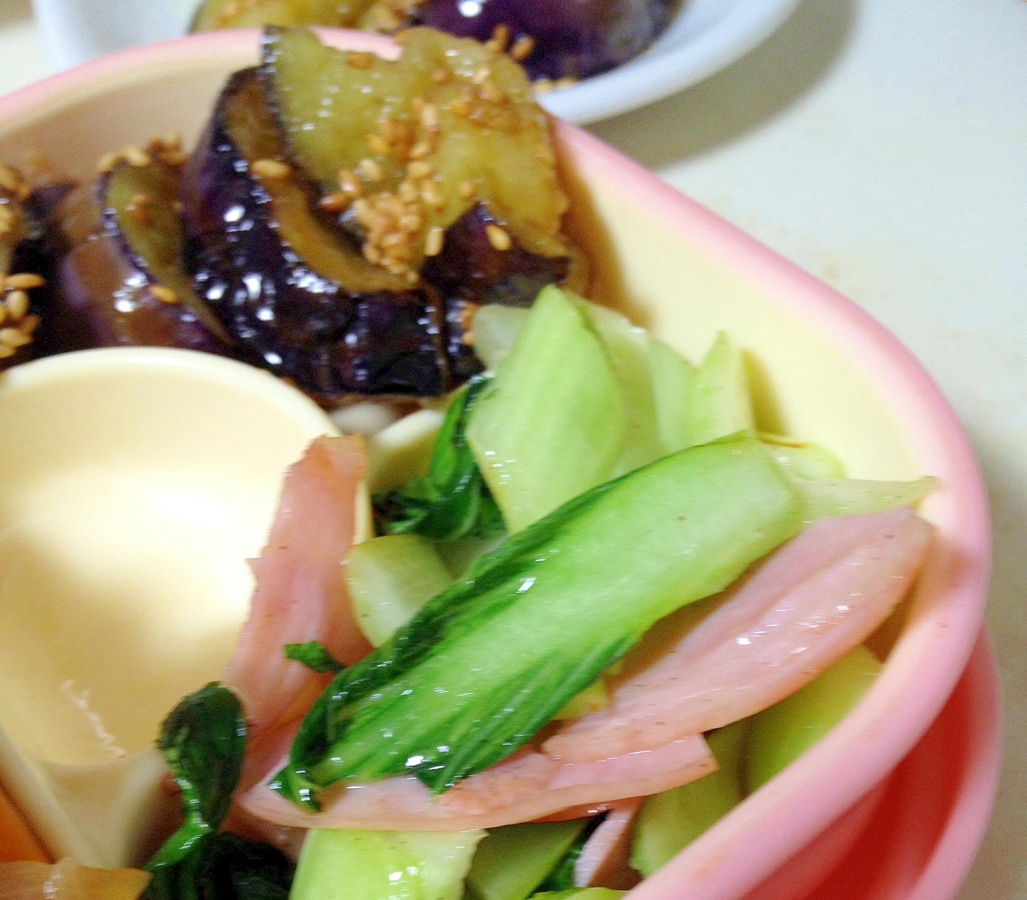 チンゲンサイとハムの炒め物