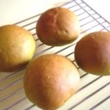 甘納豆入り抹茶パン