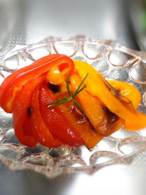 焼きパプリカのローズマリーオイルマリネ