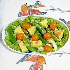 リーフレタスとスナップえんどう、セロリのサラダ