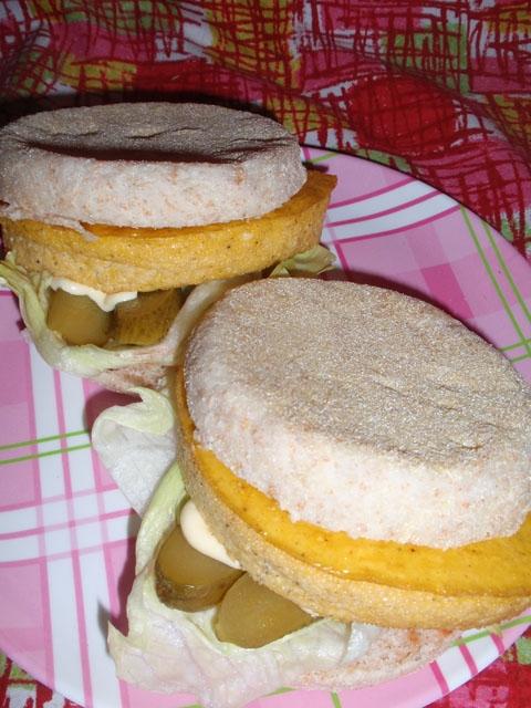 オーブンdeふわふわ卵のマフィンサンドウィッチ