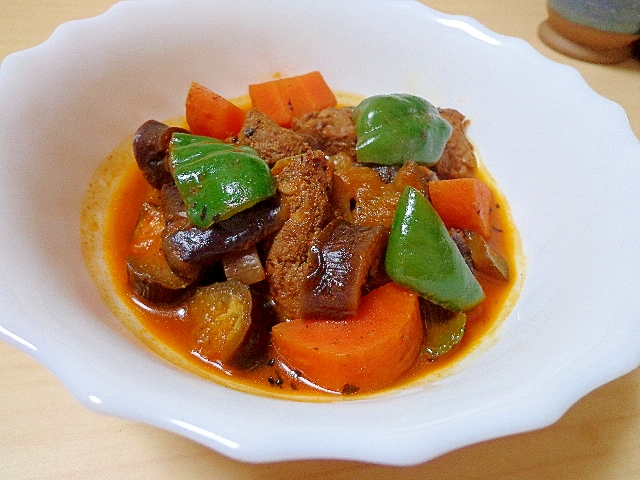 一日分の野菜で♪牛ヒレと茄子のピリ辛煮込み