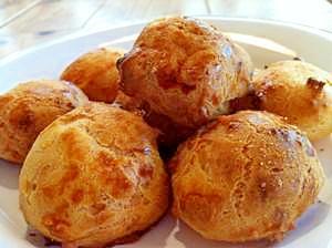 フランスのシュー菓子「チーズパフ」