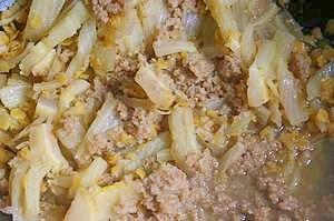 ひえとハクサイとレンズ豆の煮込み