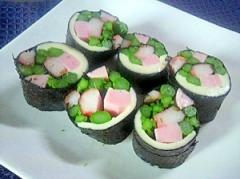 お弁当に 彩り海苔巻きサラダ