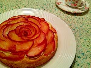 真っ赤な薔薇のりんごケーキ