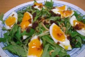 水菜がシャキシャキ! 「半熟卵と水菜のサラダ」 ♪
