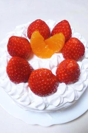 基本のスイーツ!苺とみかんのデコレーションケーキ