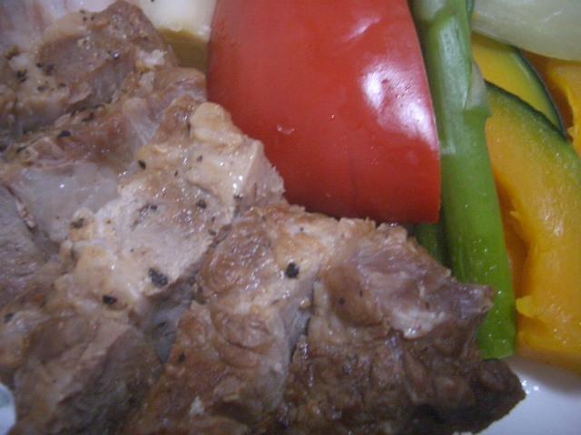豚かたまり肉のガーリック焼き