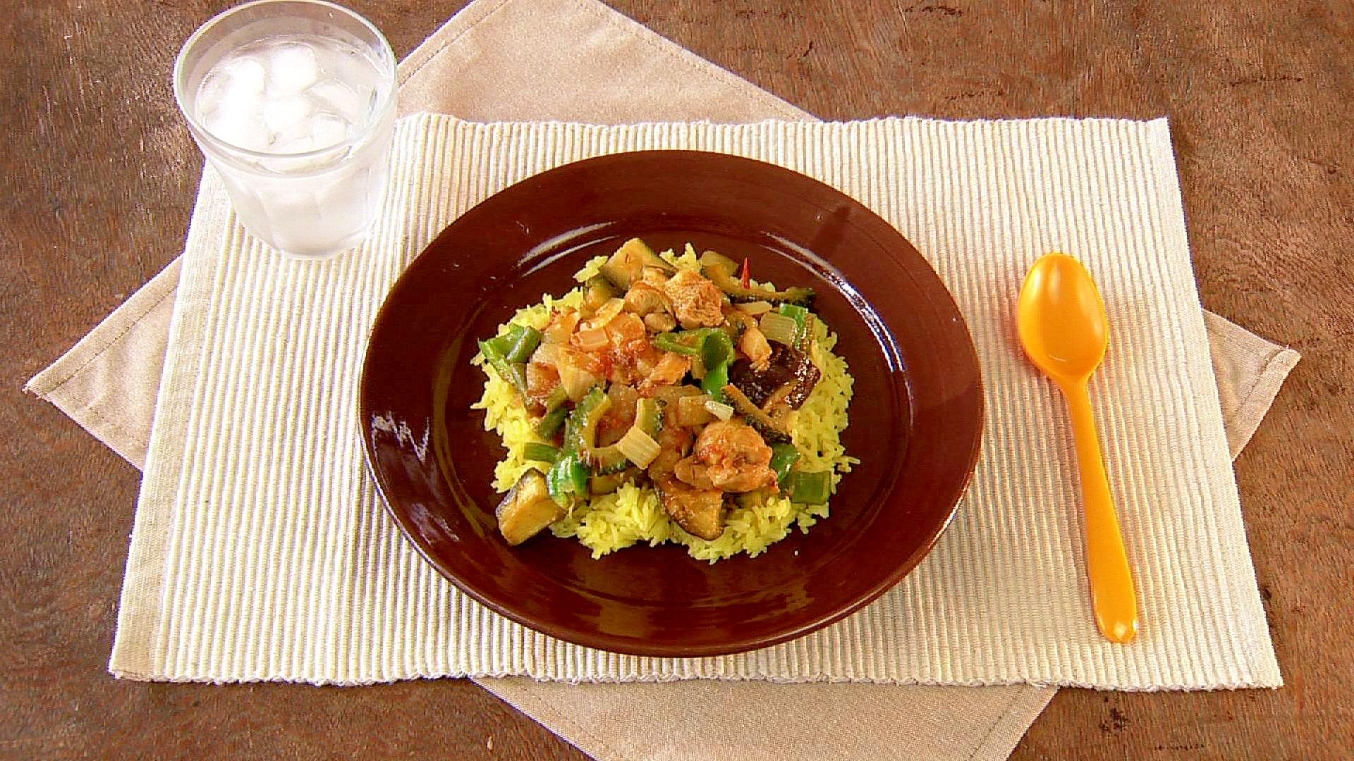 チキンと夏野菜のスパイス炒めカレー