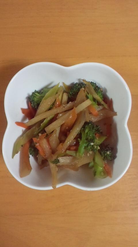 ヤーコンとブロッコリーの炒め物