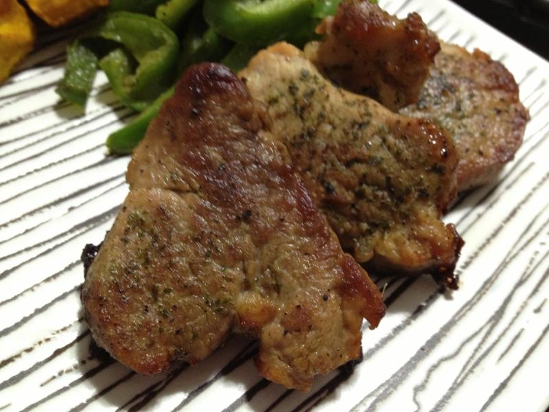 簡単☆豚ヒレ肉のハーブ焼き