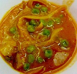市販のルウでグリーンピースのスープカレー