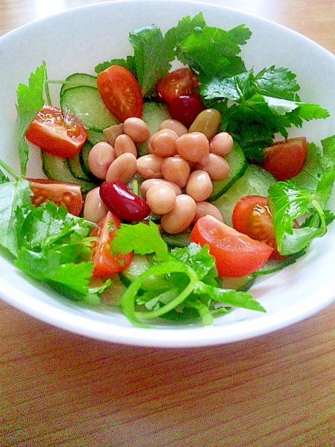 三つ葉の彩りサラダ