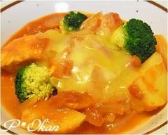 ムネ肉とジャガイモのトマトチーズ煮