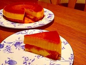 プリンとケーキが一度に味わえる「プリンケーキ」