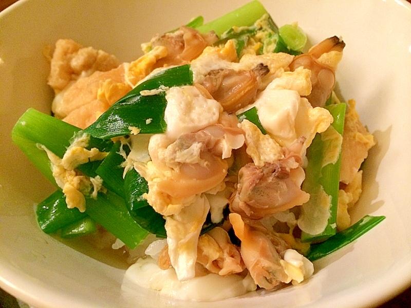 あさりの出汁でウマウマふわふわ♪あさりの卵とじ丼